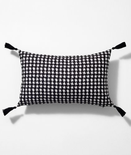 HOUND TOOTH CUSHION